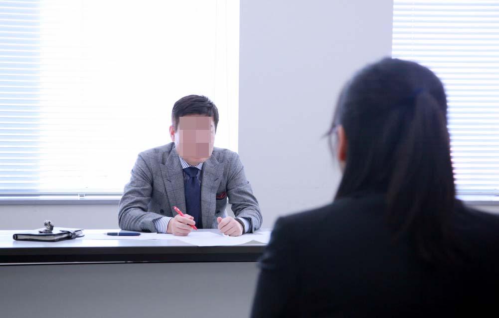 面接で、女子大生『御社ではフリンをしても許されますか?』