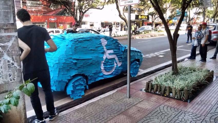 毎日のように違法駐車している車があったので、2行ほどの文章を書いて貼っておいた結果ww