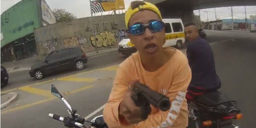 バイクを盗もうとしていたDQN高校生を見つけたので・・・
