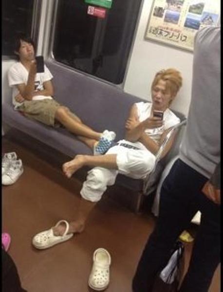 【DQN撃退】お婆ちゃんがDQN達に向かって、 「ごめんね、ちょっと詰めてくれる?」→広島出身の彼女は