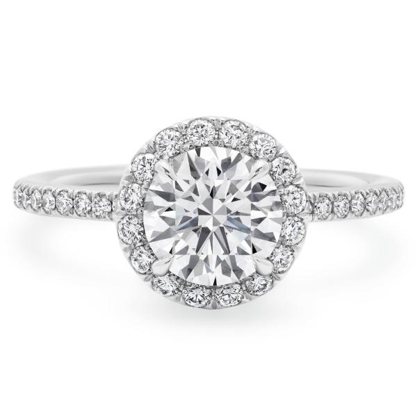婚約指輪が80万だった・・私の価値は80万か、って
