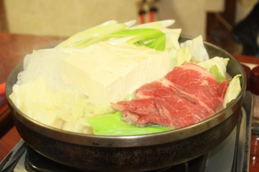 居酒屋を予約していたんだが予約していた桜鍋をお願いしたが、 馬肉が品切れだと。