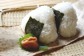 家族が悪徳商法に引っかかった。普通に作ったおにぎりを 1個千円で買わされた。