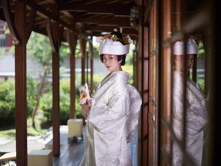 今もある信州のホテルで夜中に文金高島田の花嫁さんとすれ違った